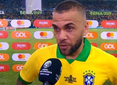 Dani Alves, sobre ganar la Copa América como local