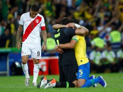Guerrero hace historia en el fin del sueño de la 'Blanquirroja'