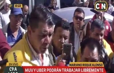 Roque Alonso: Concejales reculan y taxistas amenazan