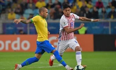 HOY / Medio brasileño opta por Arza para su once de la Copa América