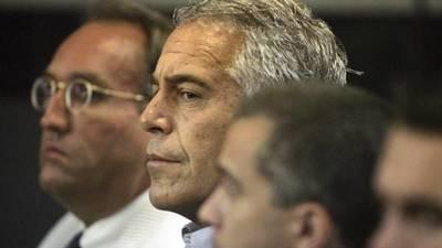 Millonario acusado de crear red para abusar de niñas