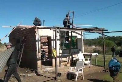 GRUPO DE SOLIDARIOS REFACCIONARON LA CASA DE UN NIÑO CON CEGUERA