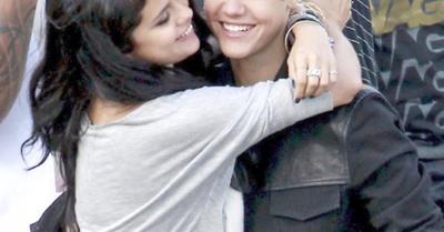 Justin metió los cuernos a Selena con modelitos