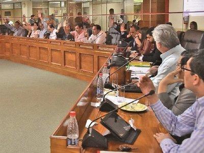Junta en aprietos: Contraloría pide informe de funcionarios