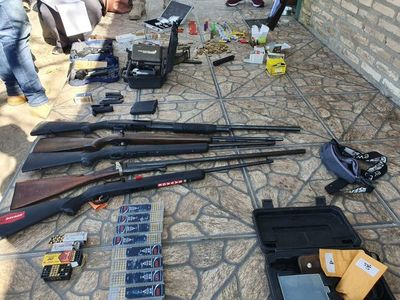En operativo descubren arsenal en una casa de Villa Hayes