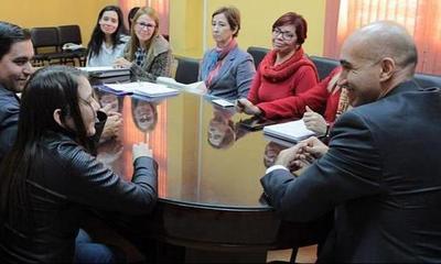 Ministerio de Salud y padres evalúan tratamiento de pacientes con fibrosis quística