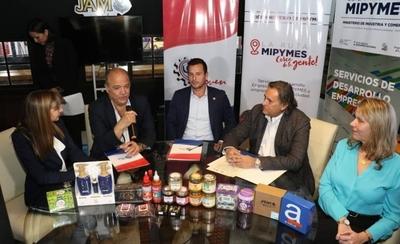 HOY / Tabacaleras renuevan convenio para el desarrollo de las Pymes