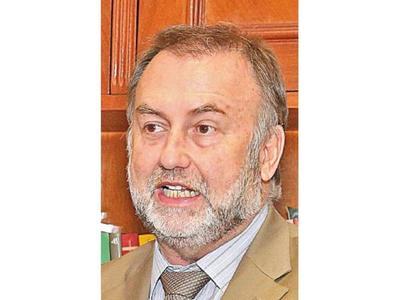 Ministro participa de reunión del  CAF