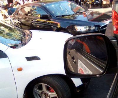 Caos en microcentro de CDE por falta de agentes de tránsito