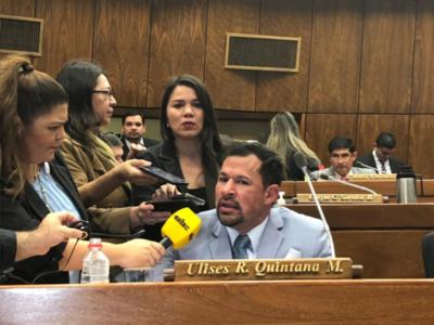 'Si es por imputaciones, muchos diputados deben estar fuera', afirma Ulises Quintana