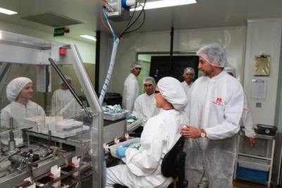 Mandatario visitó planta farmacéutica que apunta a duplicar exportación