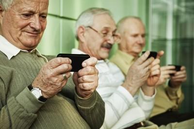Darán taller sobre el uso del Smartphone para adultos mayores