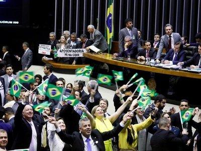 Reforma de las pensiones da el primer paso en la Cámara Baja de Brasil