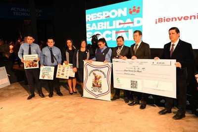 Itaipu premió a cinco colegios de Alto Paraná por su contribución en lucha contra el dengue