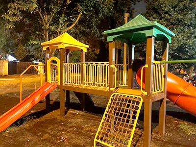 Director de Obras defiende los precios que pagó Godoy por parques infantiles