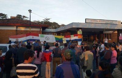 Ayolas: Director de Hospital denuncia manifestación vandálica frente a su casa