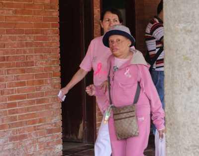 Ejecutivo reglamenta ley para garantizar atención a personas con cáncer