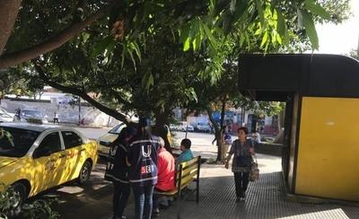 HOY / SET realiza controles en paradas de taxi