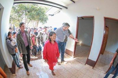 Resaltan millonaria inversión del Gobierno para viviendas a comunidades indígenas