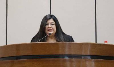 Senado elige a Carolina Llanes como nueva ministra de la Corte