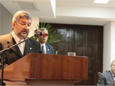 Designan a Héctor Lacognata como ministro de la Embajada en Bolivia