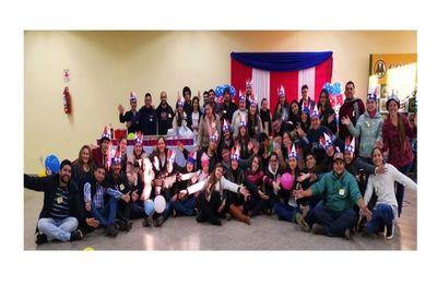 """El Centro Cultural Paraguayo Americano celebró """"Día de la Independencia de los EEUU"""""""