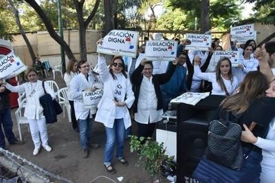 Ejecutivo vetó ley del régimen de jubilaciones de odontólogos y bioquímicos