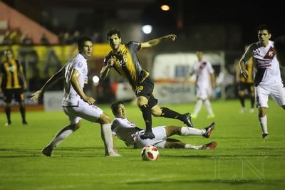 Guaraní busca dar el primer golpe ante River Plate