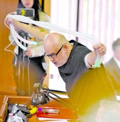 Senado aprueba investigar sobrefacturación en la compra de insumos en el IPS
