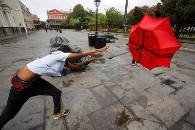 Luisiana enfrenta ya los vientos de Barry que está a punto de ser huracán