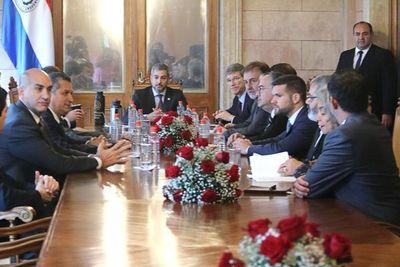 Jeffrey Sachs se reunió ayer con Mario Abdo Benítez