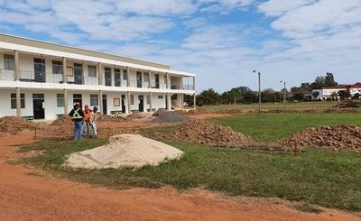 Medicina de la UNC  inicia construcción de futura aula magna