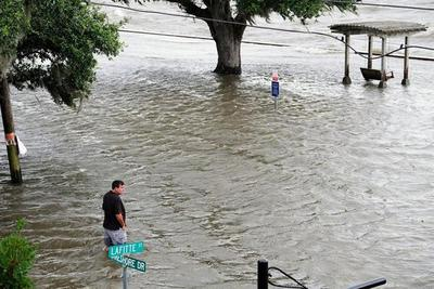 Barry toca tierra en EEUU como primer huracán de la temporada atlántica