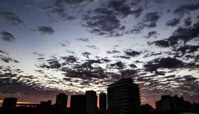 Tras ingreso de frente frío se mantiene probabilidad de lluvias para este domingo
