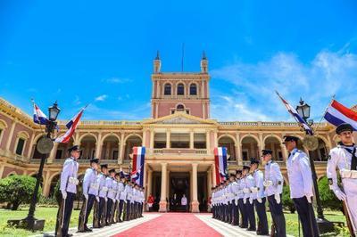 Mandatario se reúne con el equipo de seguridad y luego recibirá cartas credenciales del nuevo embajador del Líbano