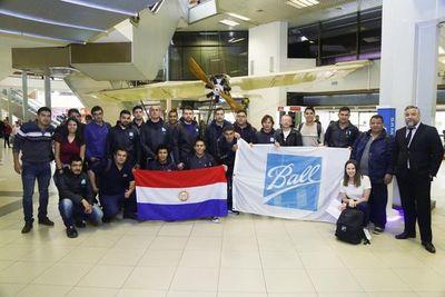 Jóvenes que trabajarán en multinacional viajaron a Brasil para capacitarse