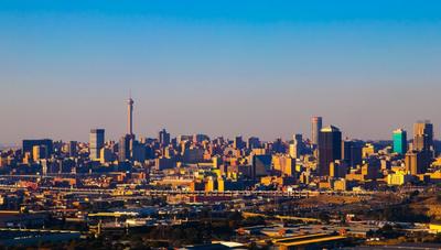 Johannesburgo, el corazón financiero de Sudáfrica invita a conocer su cultura y riqueza natural