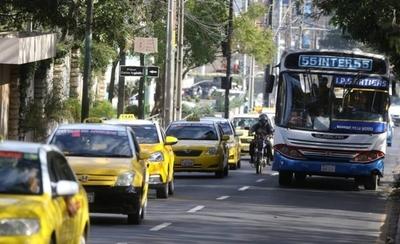HOY / Taxistas se apoderan de Asunción y cierran los cruces más transitados