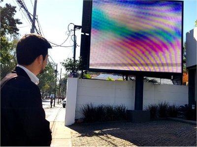 Asunción: Más de 60% de pantallas publicitarias operan sin permiso