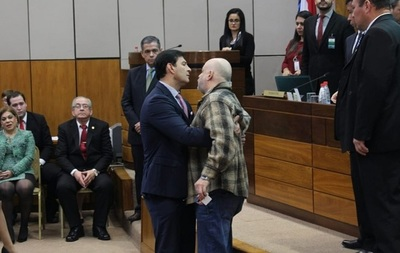 Nuevo escándalo de Payo frustra juramento de Torres Kirmser