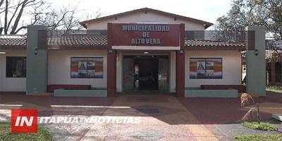 MUNICIPALIDAD DE ALTO VERÁ CON REMOZADA FACHADA.