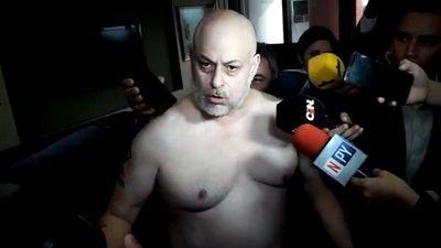 Payo Cubas es agredido por guardias de Raúl Torres en el estacionamiento del Congreso