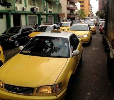 Municipios deben regular servicios de MUV, Uber y taxis, sostiene ministro del Interior