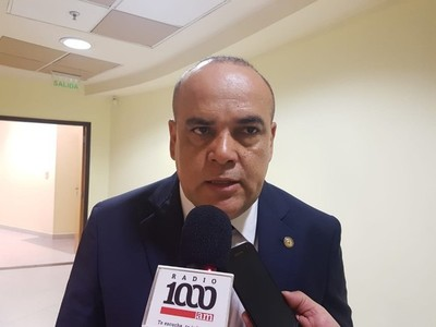 No se puede echar a un diputado por una 'mínima sospecha', dice congresista