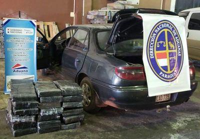 Cae automóvil con 241 kilos de marihuana en CDE