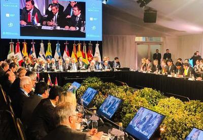 Eliminación del cobro de roaming internacional y cooperación migratoria, principales logros de la 54 Cumbre del Mercosur
