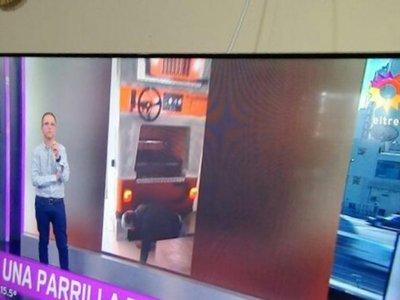 Parrilla paraguaya con fachada de Jeep en la tv argentina