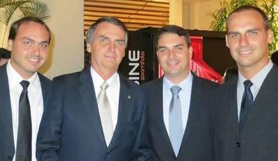 Los enchufes de Bolsonaro para favorecer a sus hijos