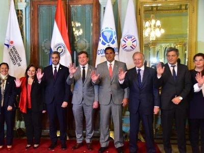 Argentina o Uruguay albergarían la final del Mundial 2030