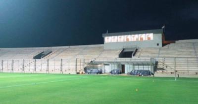 HOY / Vuelven a prometer que terminarán las obras del estadio de Encarnación